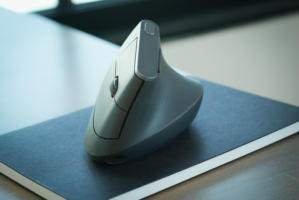 mx vertical logitech mouse review