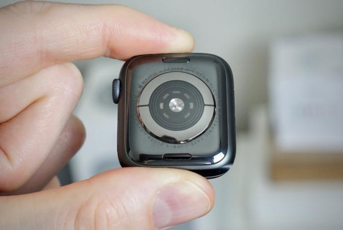 apple watch s4 back