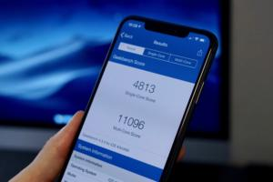 iphone xs benchmarks hero