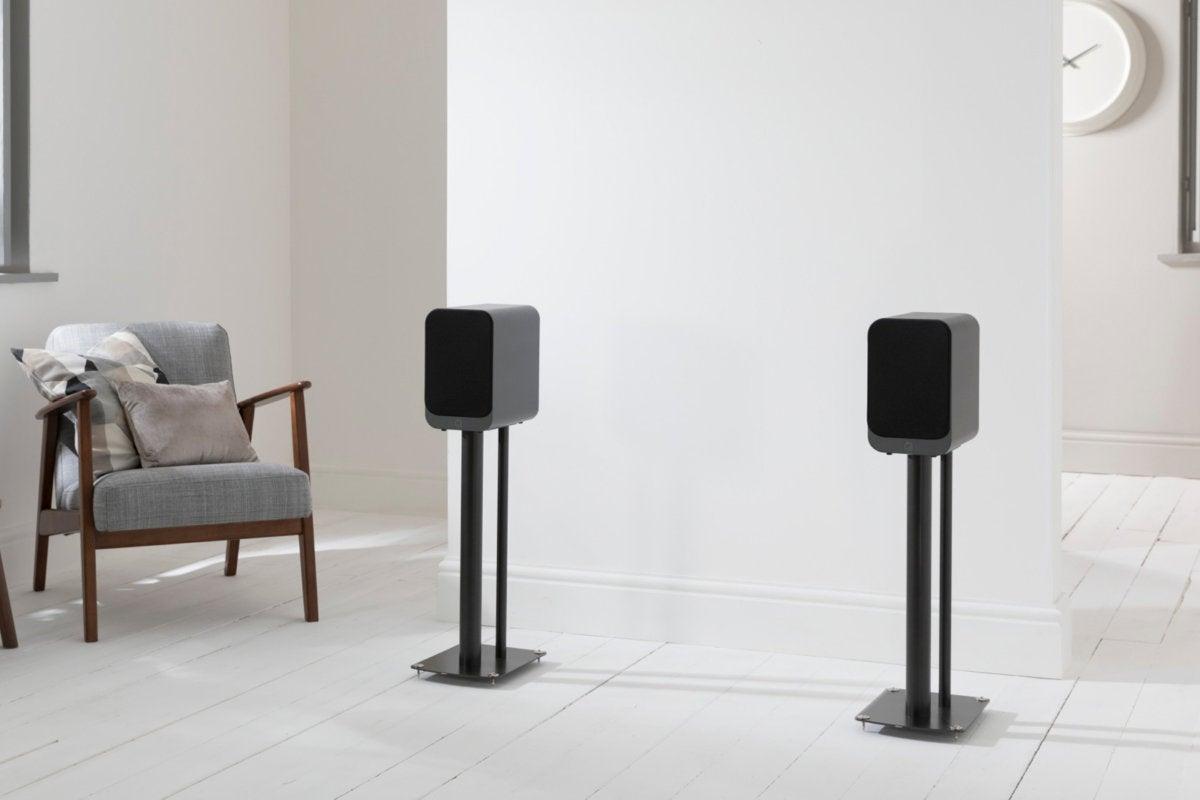 q acoustics 3020i graphite grille off