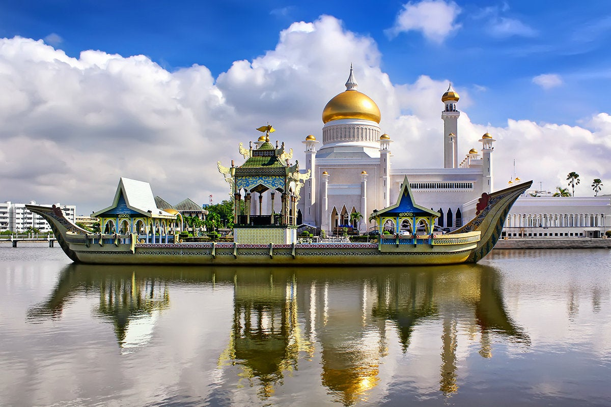 The Sultan Omar Ali Saifudding Mosque in Bandar Seri Begawan, capital of Brunei in Southeast Asia.