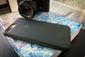 Apple iPhone silicone case: The 10-month review | Macworld