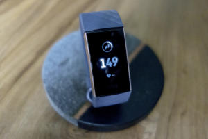 fitbit charge 3 stand