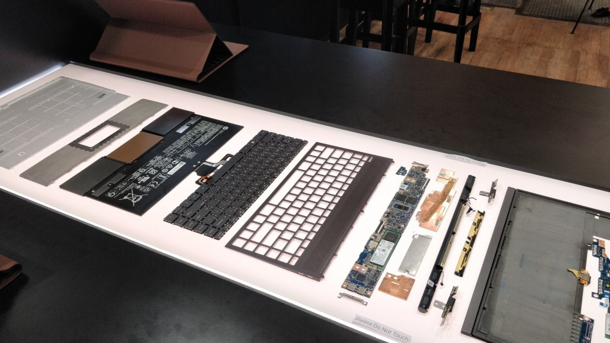 HP Spectre Folio components