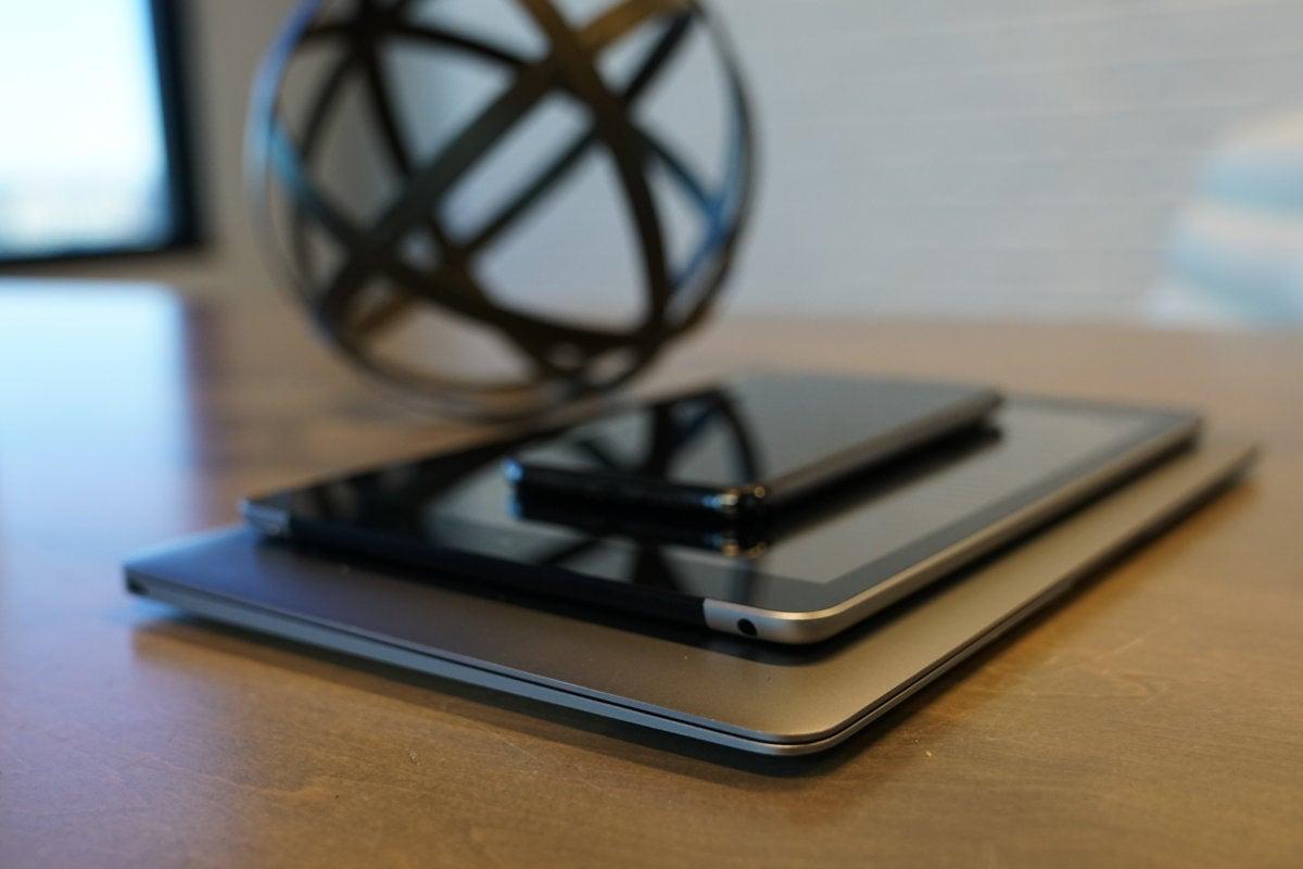ipad iphone xs max macbook