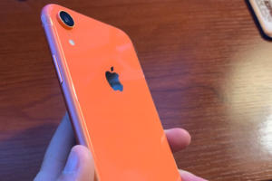 iphone xr coral snell 01