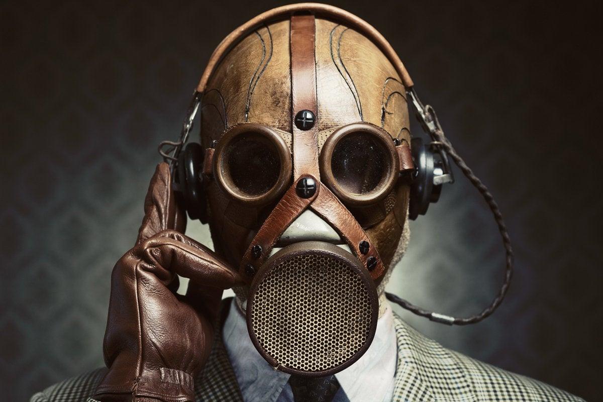 intro toxic boss gas mask