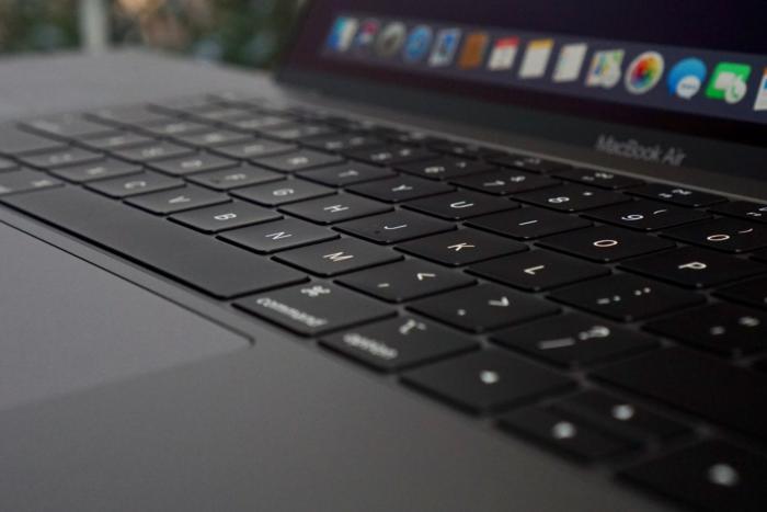 macbook air 2028 keyboard