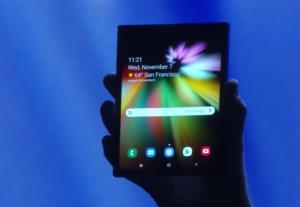 samsung folding phone open