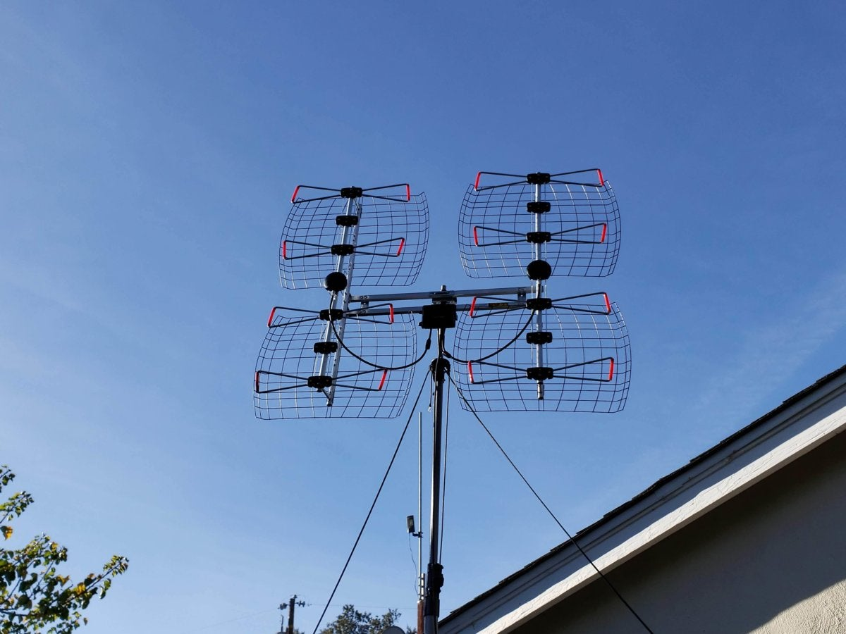 Antennas Direct DB8e review: This large roof-mount TV