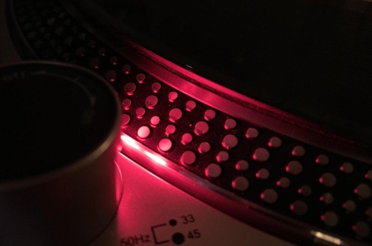 audio technica not spinning
