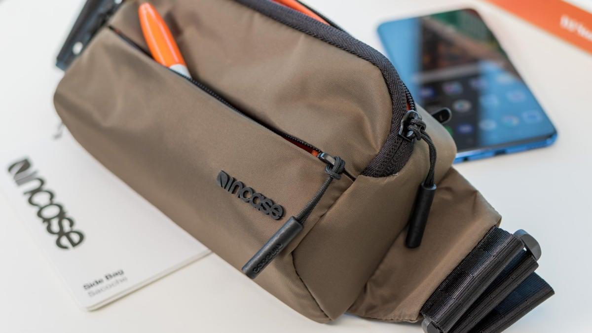 incase side bag 2