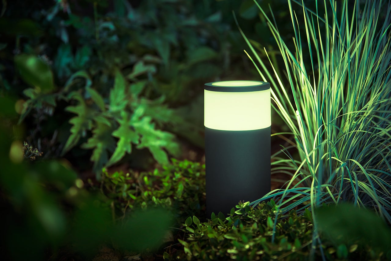 Philips Hue Calla Outdoor Pathway Light Review A Sophisticated Fixture Wiring Further Low Voltage Landscape Lighting Kits System Techhive