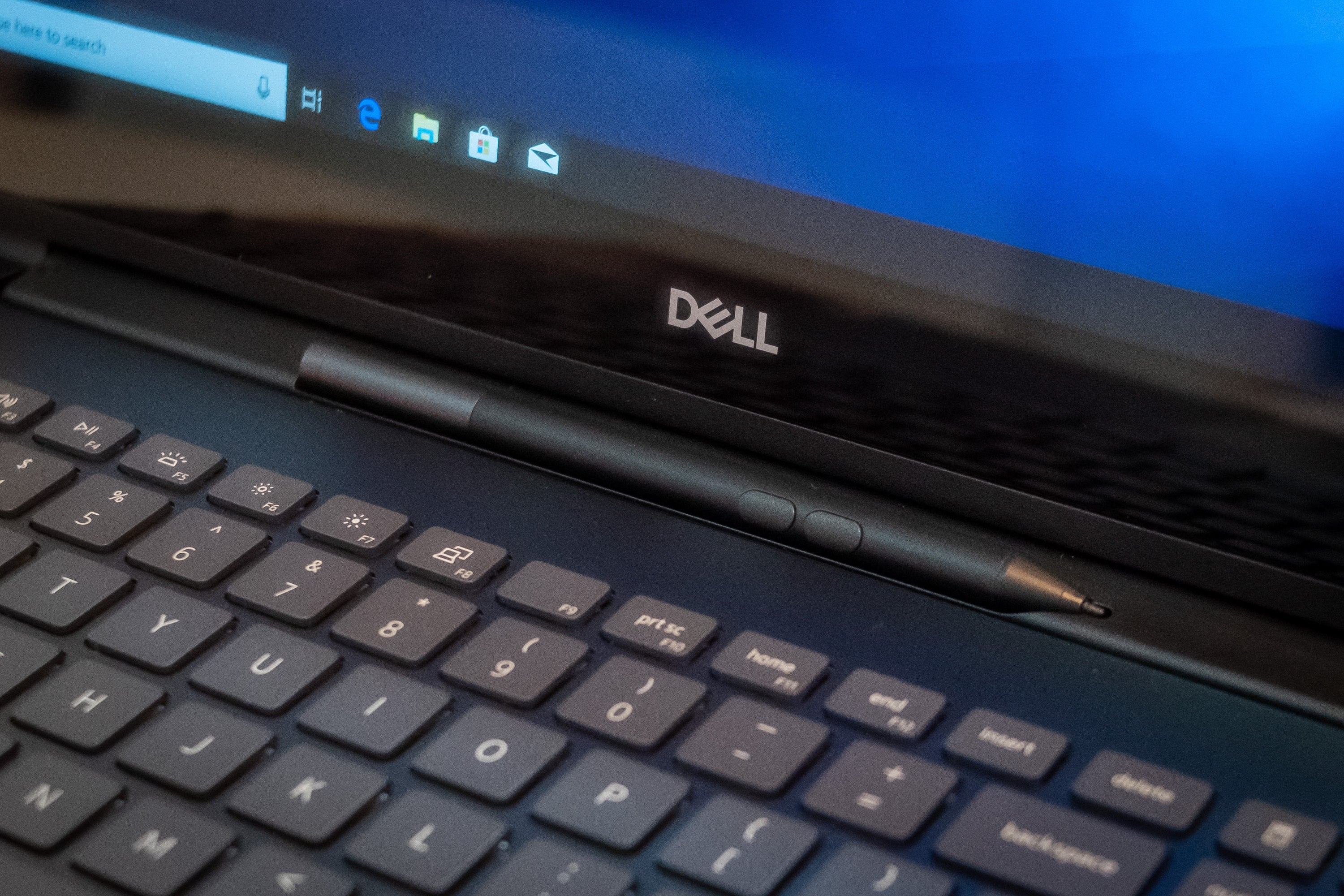 0993a0eb7 Dell s Inspiron 7000 2-in-1 Black Edition laptops save you from lost ...