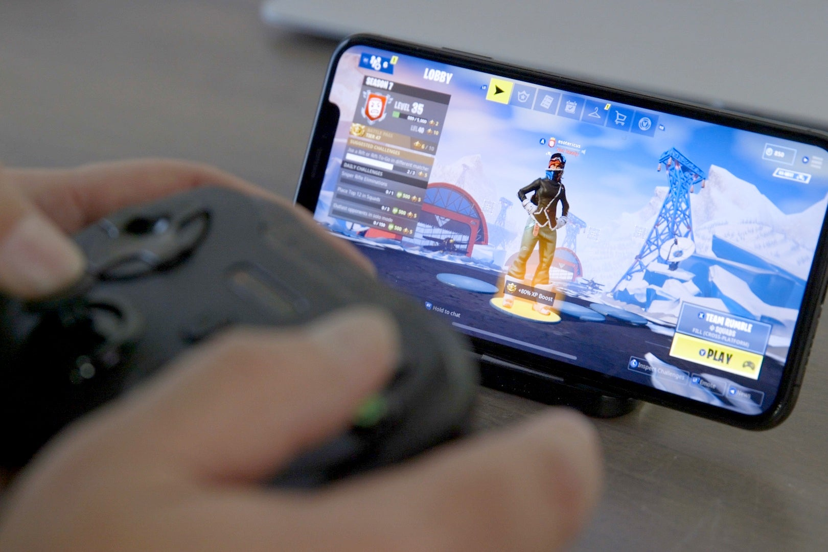 Fortnite For Iphone Now Supports Mfi Controllers And That S A Total