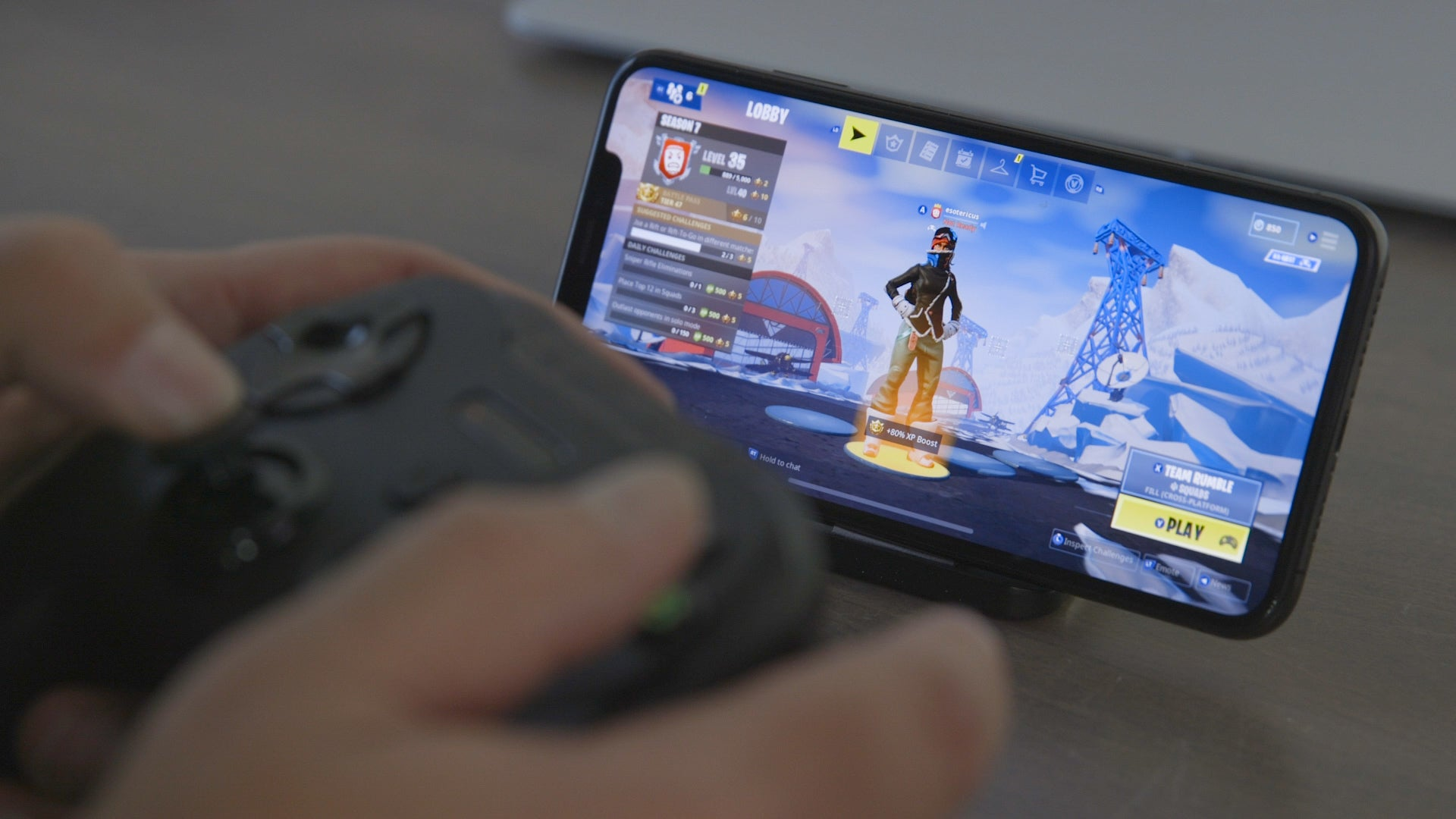Use a controller with Fortnite on the iPhone
