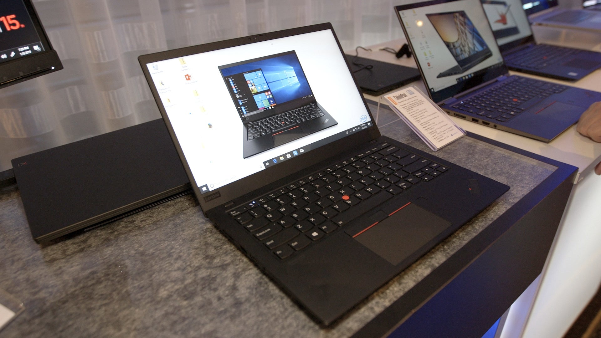 Lenovo ThinkPad X1 Carbon and X1 Yoga first look | IDG TV