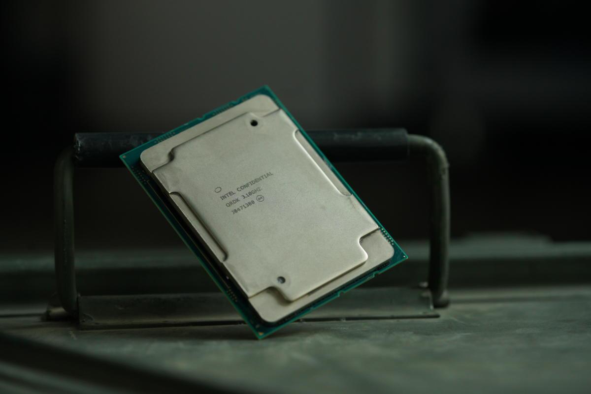 Xeon W-3175X 28-core Intel CPU