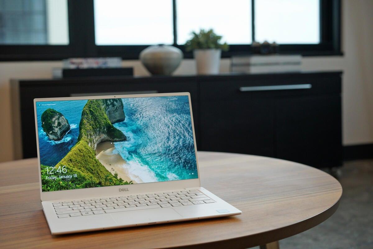 dell xps 13 9380 review  the best little laptop fixes its
