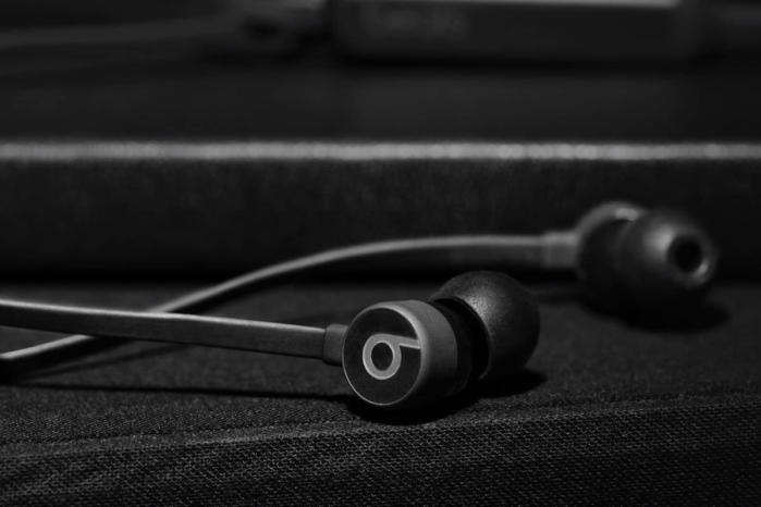 Beatsx Earphones Review These Bluetooth Earbuds Are An Ace For Bass Macworld