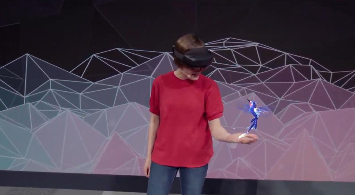 Microsoft HoloLens 2 hummingbird