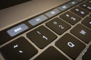 MacBook Pro Touch Bar con teclas de función