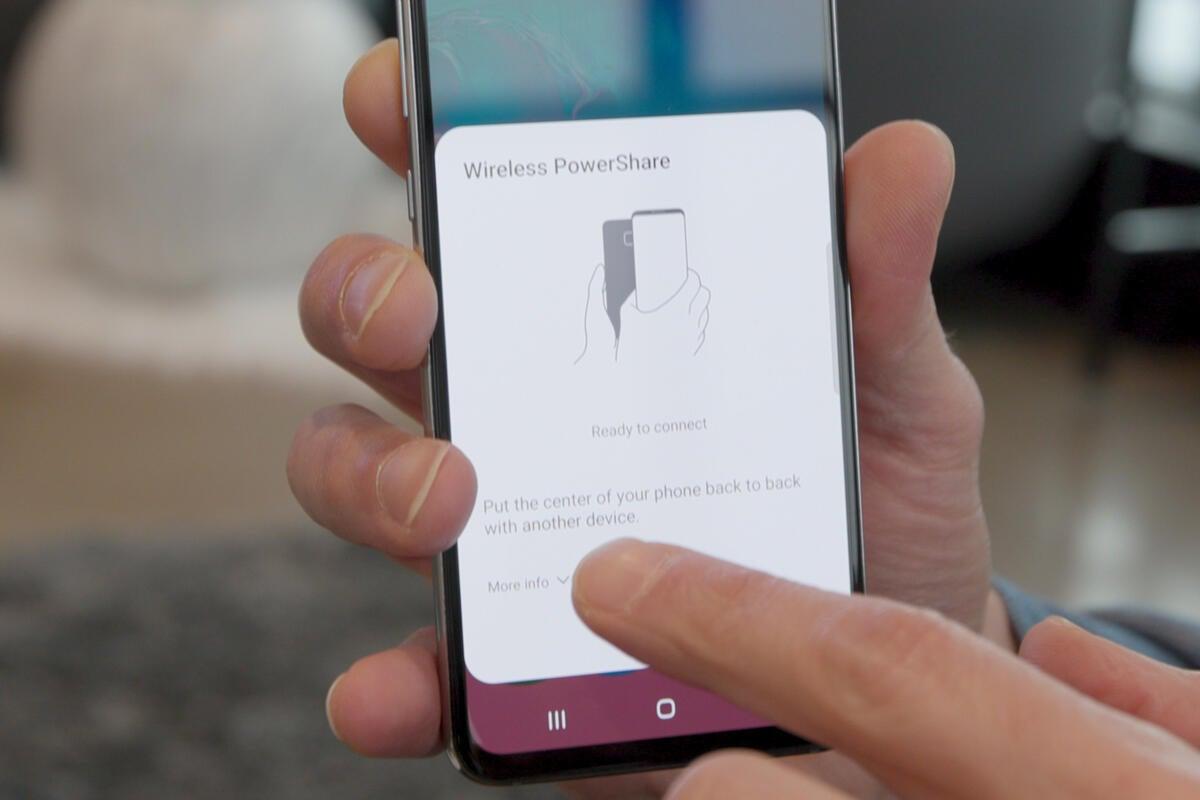 So verwenden Sie Wireless PowerShare für das Galaxy S10, um Ihre Galaxy Buds oder ein anderes Telefon aufzuladen