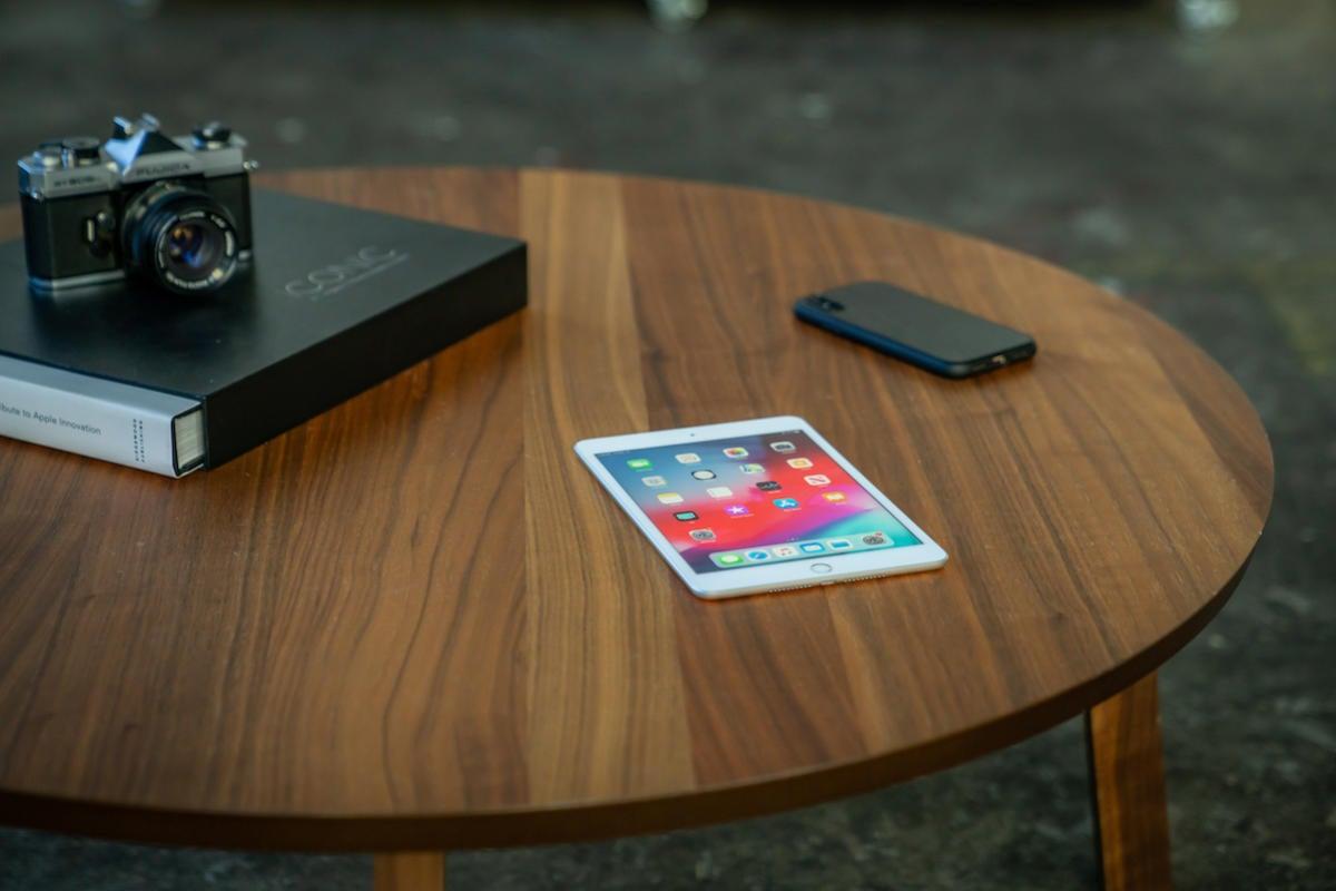 ipad mini table