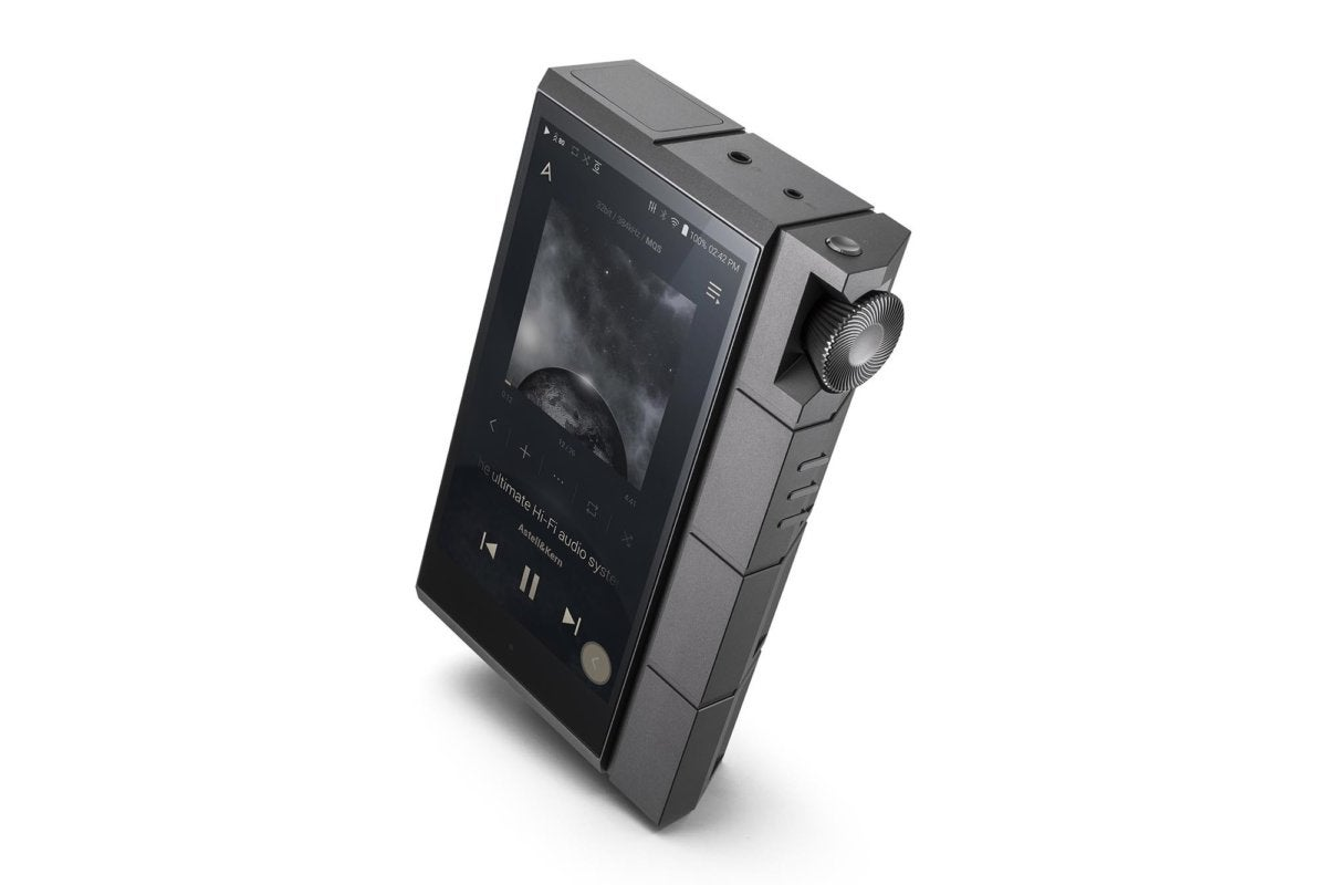 3/4 view of the new Astell&Kern Kann Cube