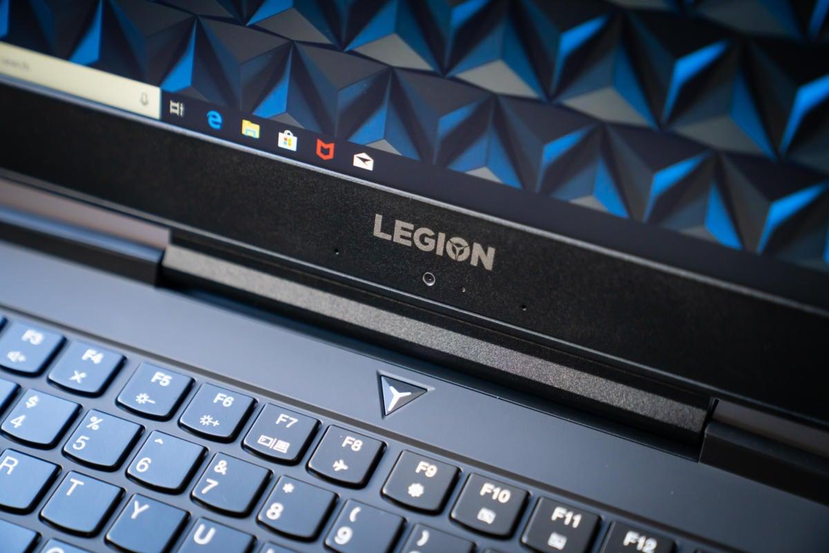 lenovo legion y7000 display keyboard detail