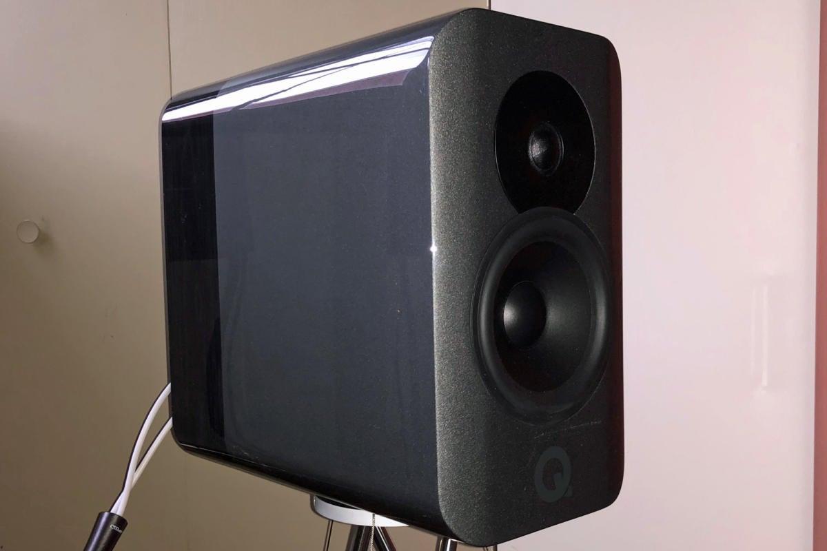 q acoustics concept 300 image 2d