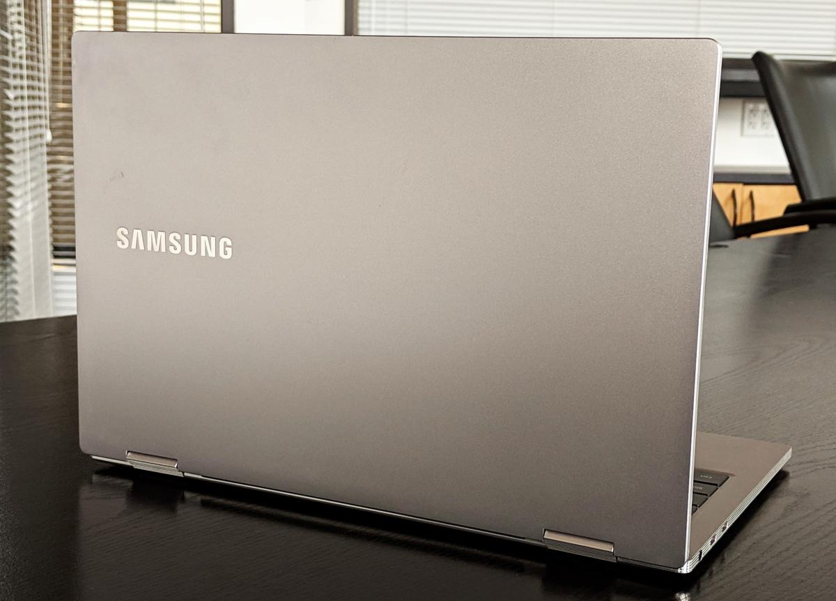 Samsung Notebook 9 Pro rear