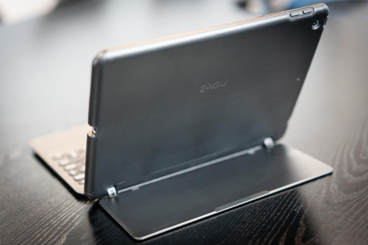 zagg slim book go back