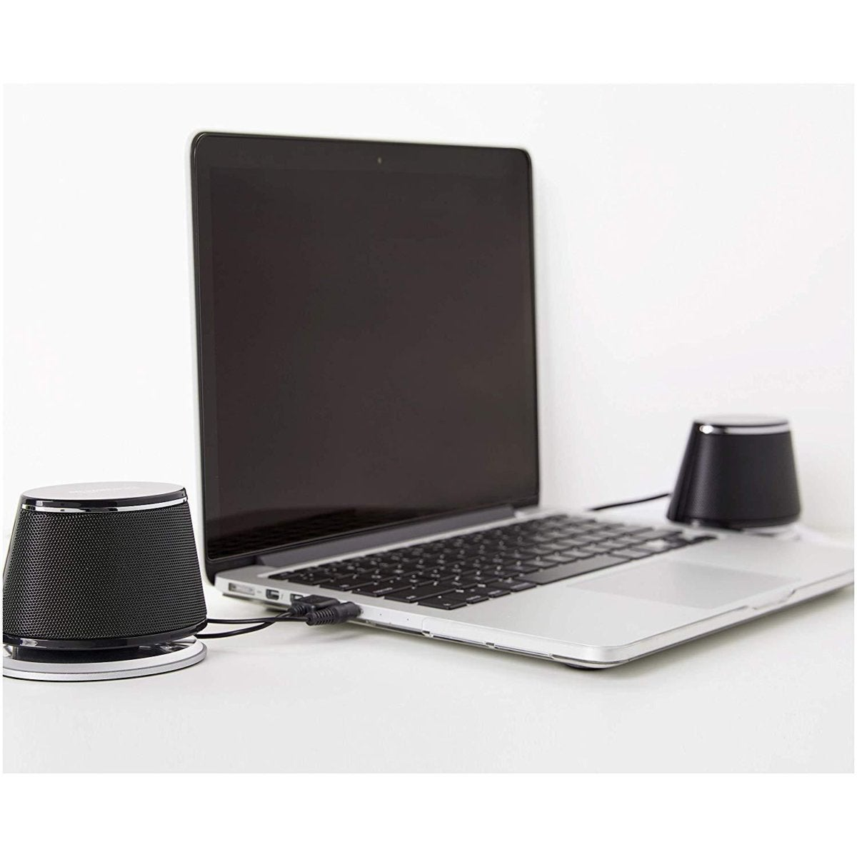 amazonbasics usb powered computer speakers lifestyle