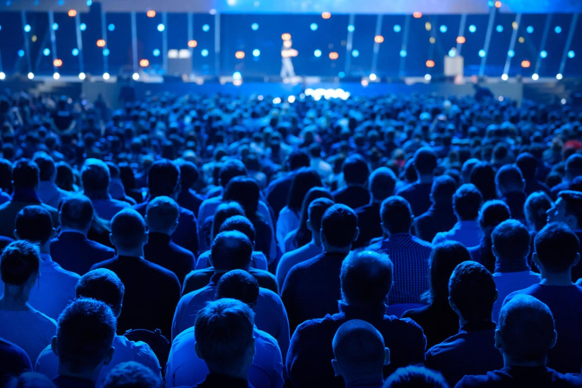 Why Should you Attend Tech Conferences?Featured Image