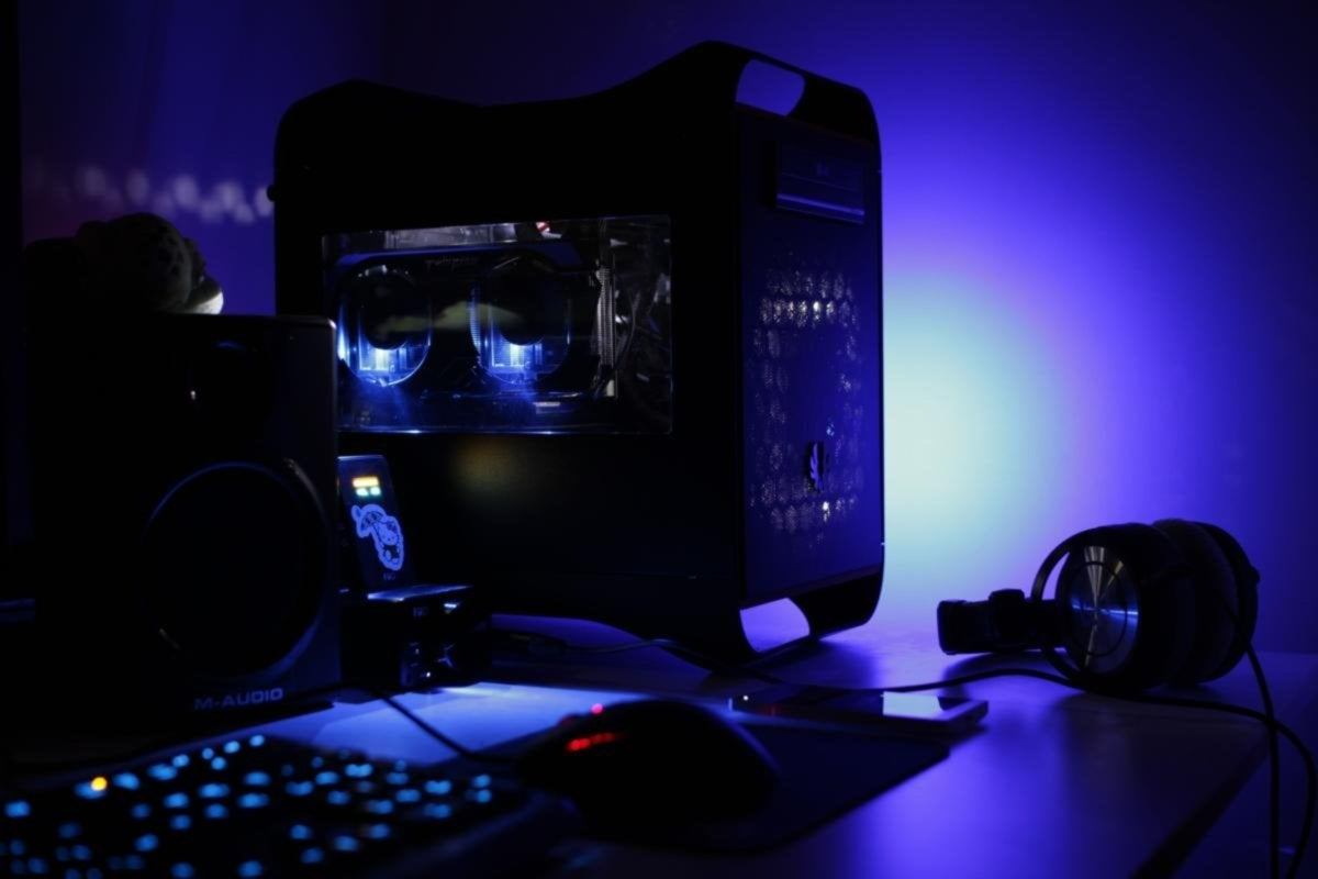 pc gaming rig resized