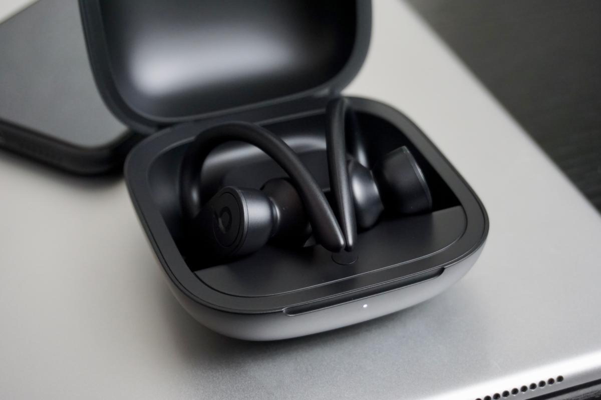 powerbeats pro in case
