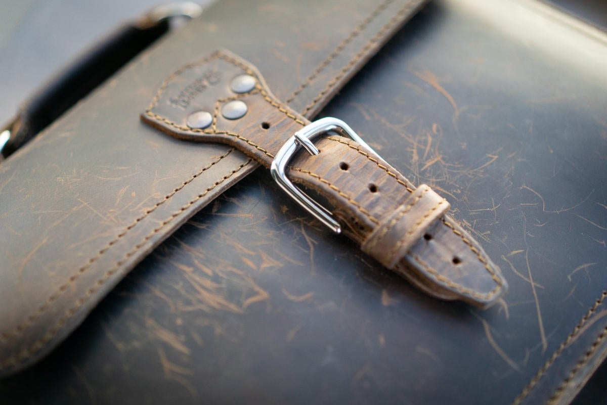 saddleback thirteener buckle
