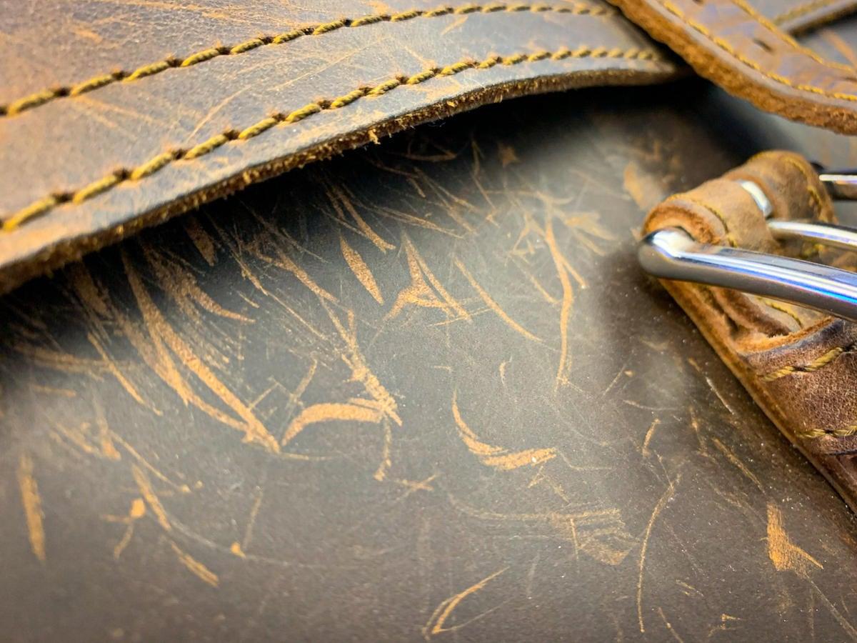 saddleback thirteener scuffing