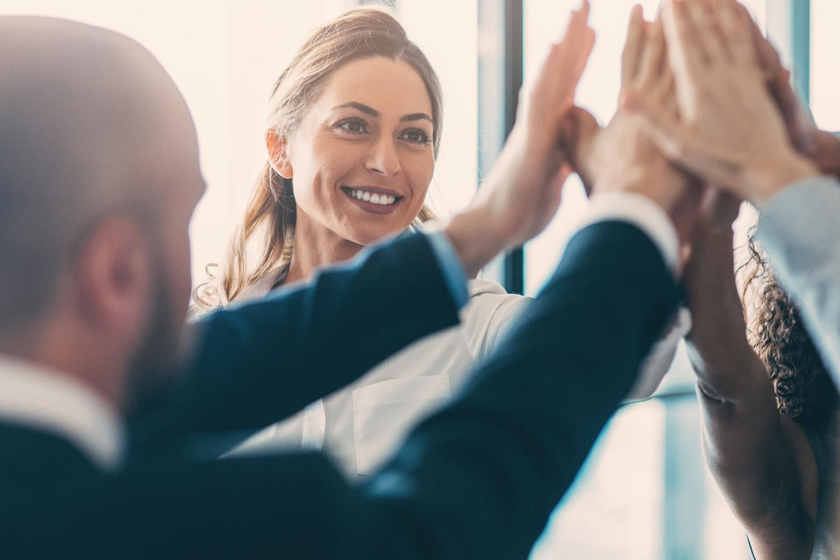 9 effective team building activities to try this year