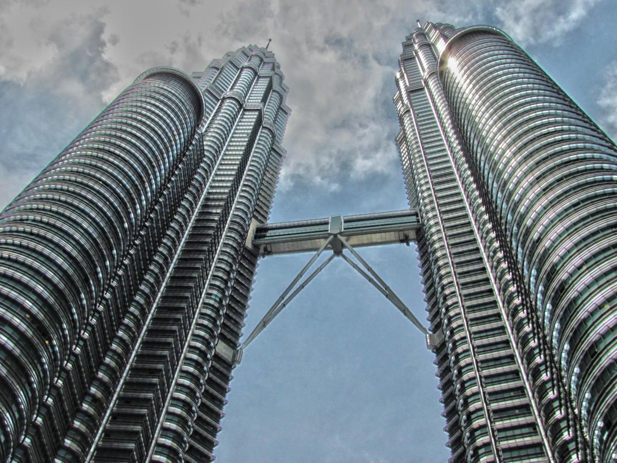skybridge Petronas