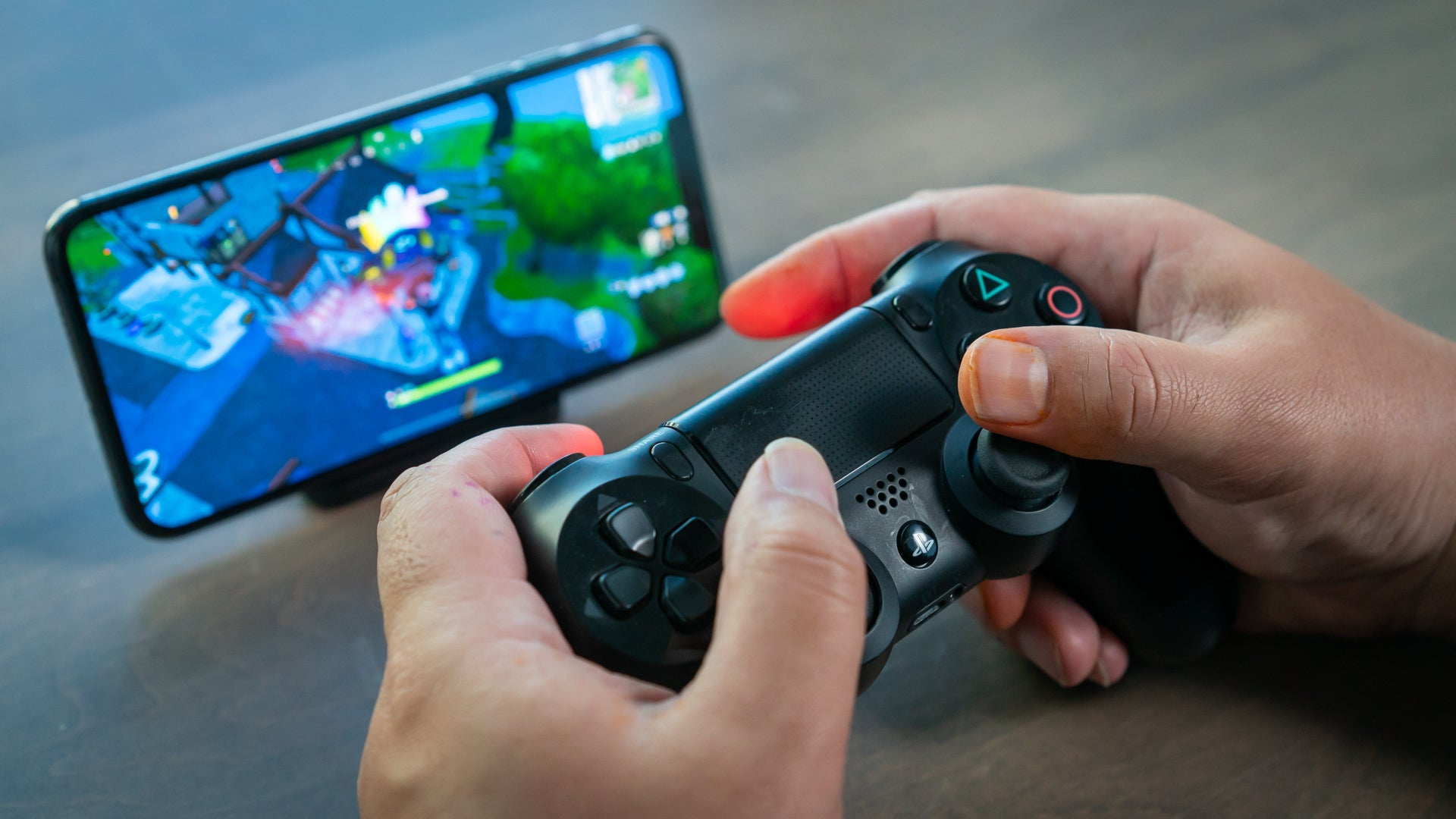 How to pair a PS4 DualShock 4 controller with an iPhone or iPad