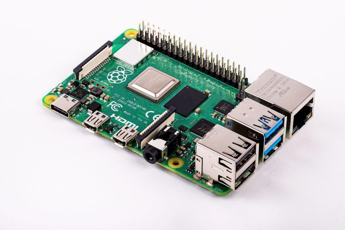 The Raspberry Pi 4's New USB-C Charging Doesn't Work with Some USB-C Chargers