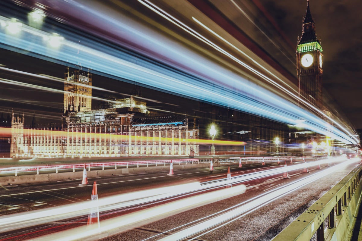 UK | United Kingdom  >  England  >  London  >  light trails / speed / Parliament / Big Ben