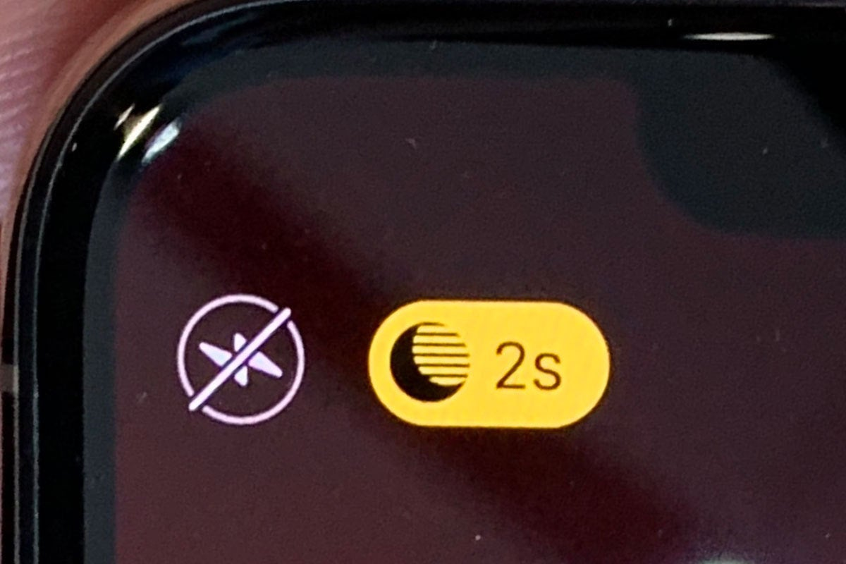 night mode indicator iphone 11
