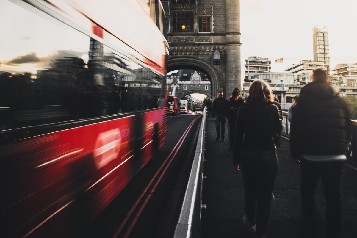 UK | United Kingdom  >  England  >  London  >  streetscape / Tower Bridge, traffic, pedestrians