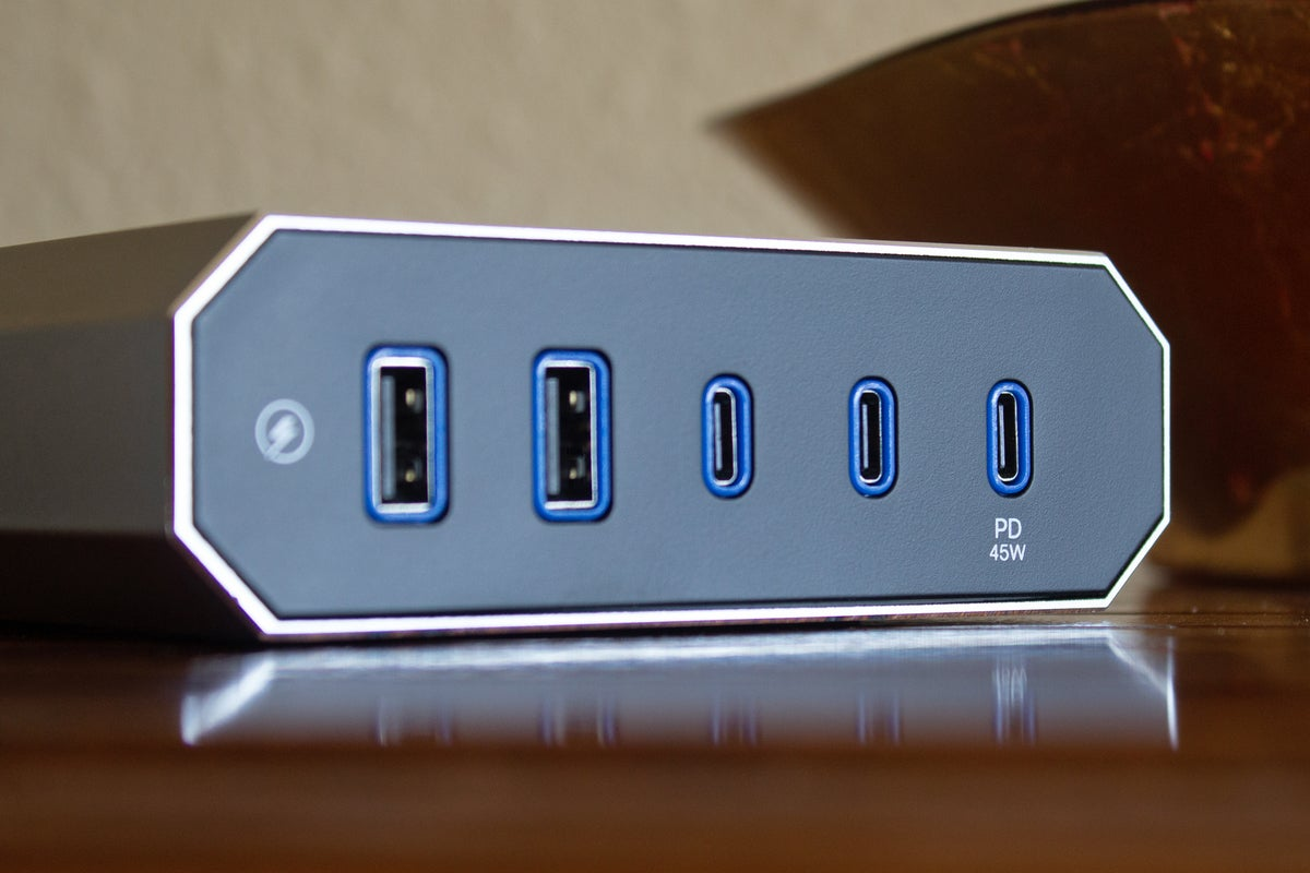 austere surge protector usb ports