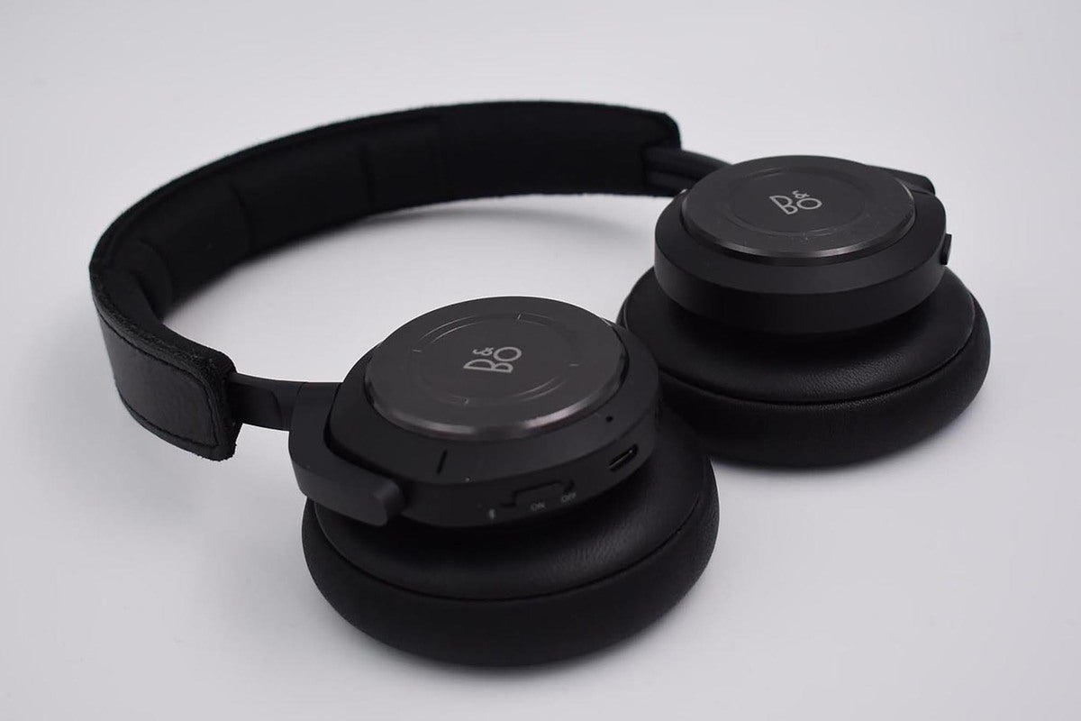 The B&O H9 wireless noise cancelling headphones.