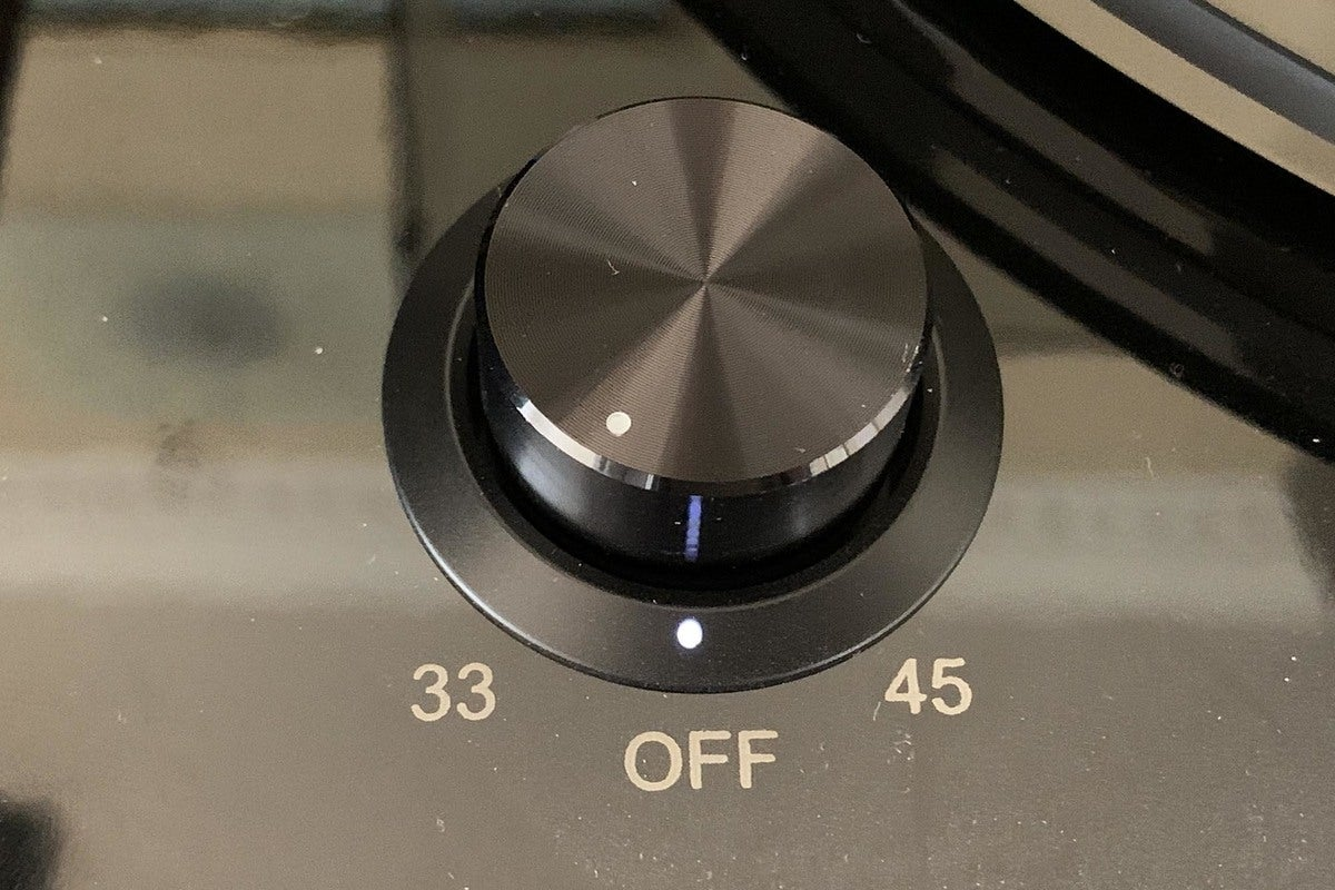 The RT85 supports 33 RPM and 45 RPM records.
