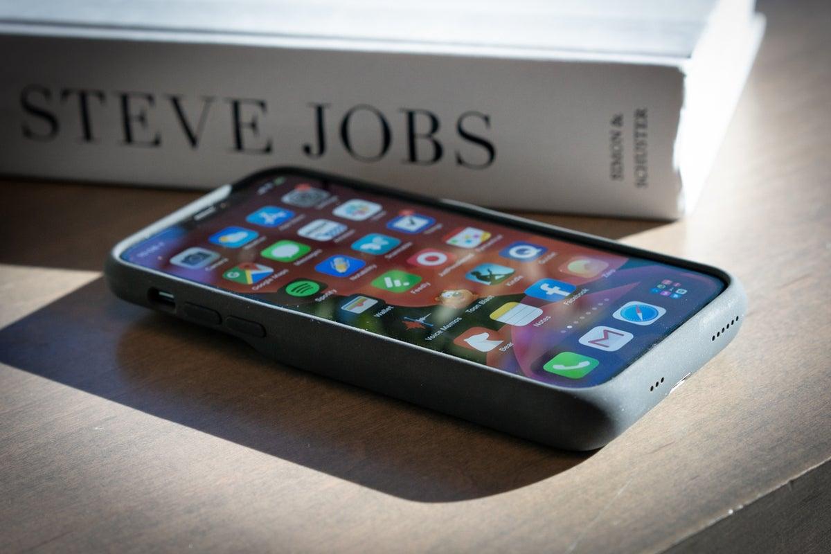 iphone 11 smart battery case top